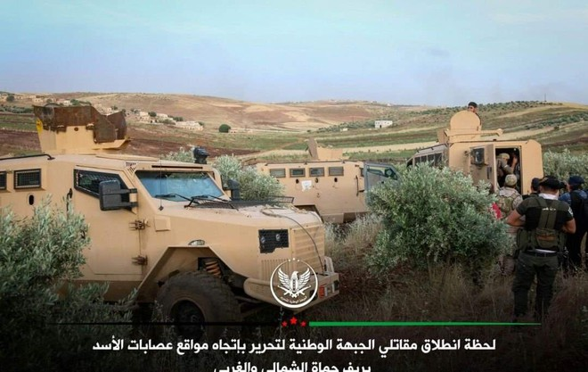Khủng bố tổ chức phản công lớn tại Tây Bắc Syria: Tín hiệu không kích của Mỹ hiệu quả? - Ảnh 17.