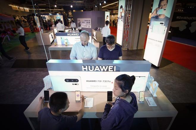 Cấm Huawei dùng công nghệ Mỹ - Nước cờ sai của Tổng thống Trump?  - Ảnh 4.