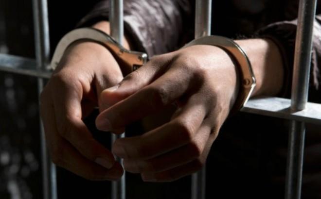 Được bé gái giận gia đình xin ngủ nhờ, thanh niên đi tù tội hiếp dâm