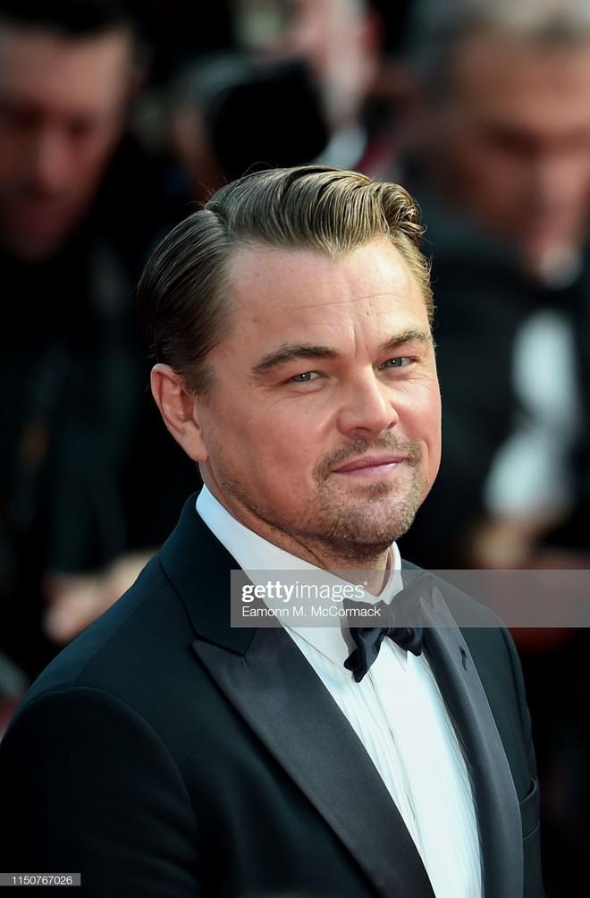 Thảm đỏ Cannes nóng lên từng phút: Brad Pitt - Leonardo lịch lãm ná thở, Chương Tử Di khoe vòng một giành spotlight - Ảnh 3.