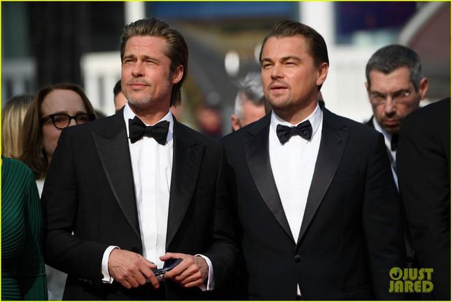 Choáng với ảnh Brad Pitt và Leonardo hiện tại và 30 năm trước: Vẫn xứng danh cặp tài tử sát gái nhất Hollywood! - Ảnh 3.
