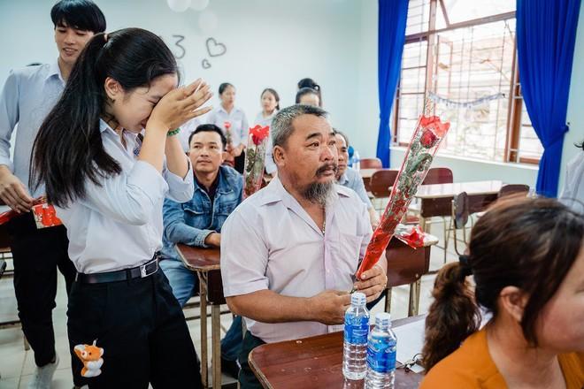 Ảnh kỷ yếu rơi nước mắt của học sinh Vũng Tàu - Ảnh 6.