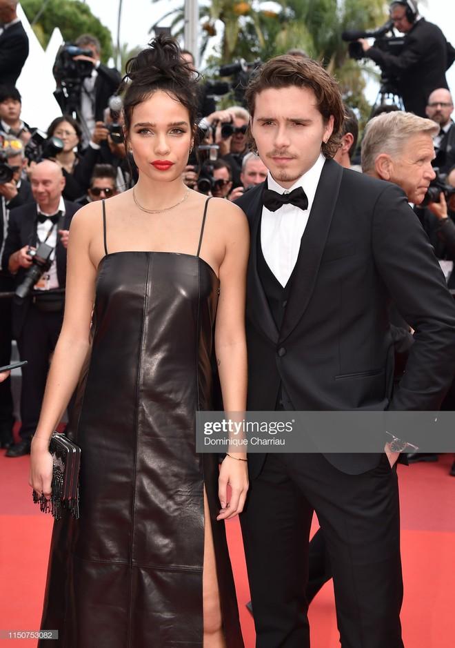 Thảm đỏ Cannes nóng lên từng phút: Brad Pitt - Leonardo lịch lãm ná thở, Chương Tử Di khoe vòng một giành spotlight - Ảnh 9.