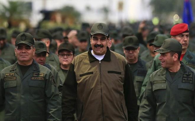 TT Maduro lệnh cho toàn bộ Quân đội Venezuela sẵn sàng chiến đấu: Mỹ sắp tấn công?