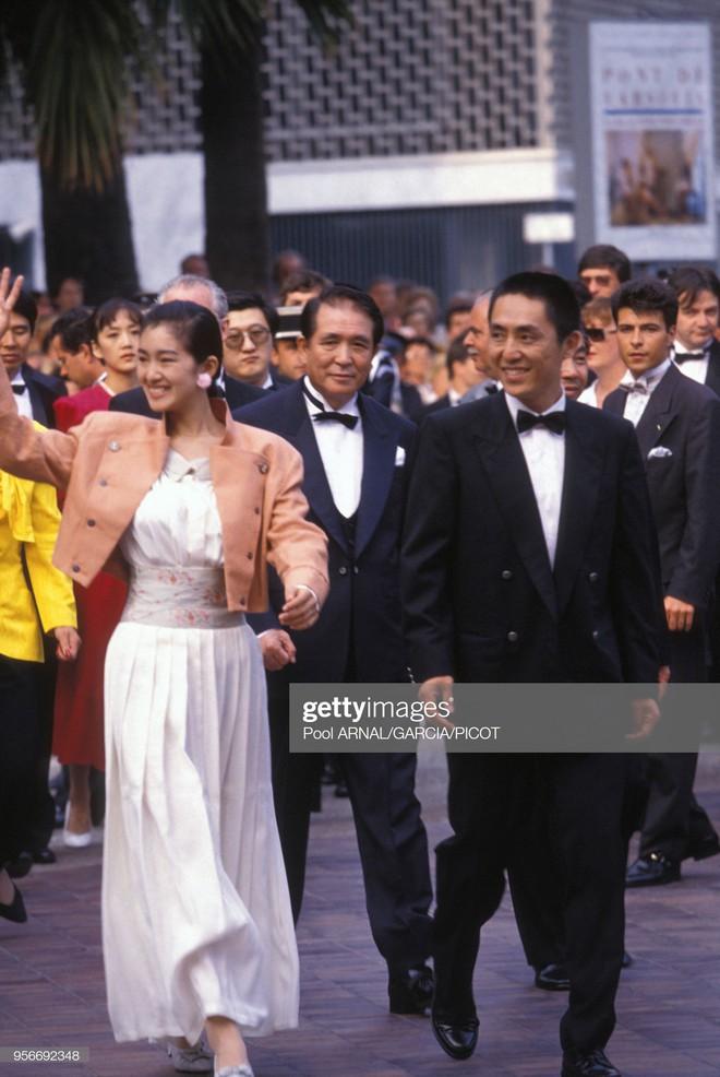 Củng Lợi dạy cách ăn mặc trên thảm đỏ và đẳng cấp thực sự của ngôi sao 18 lần dự LHP Cannes - Ảnh 7.