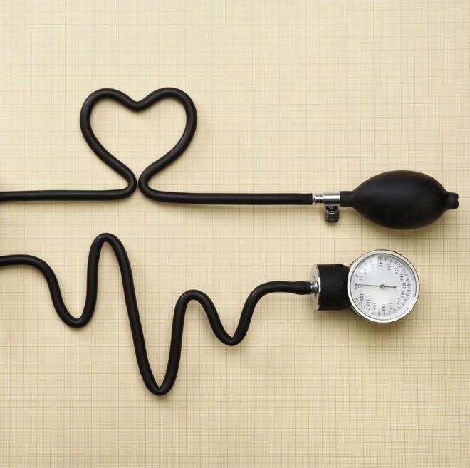 Mách bạn 8 cách tốt nhất để giảm nguy cơ đột quỵ - Ảnh 1.