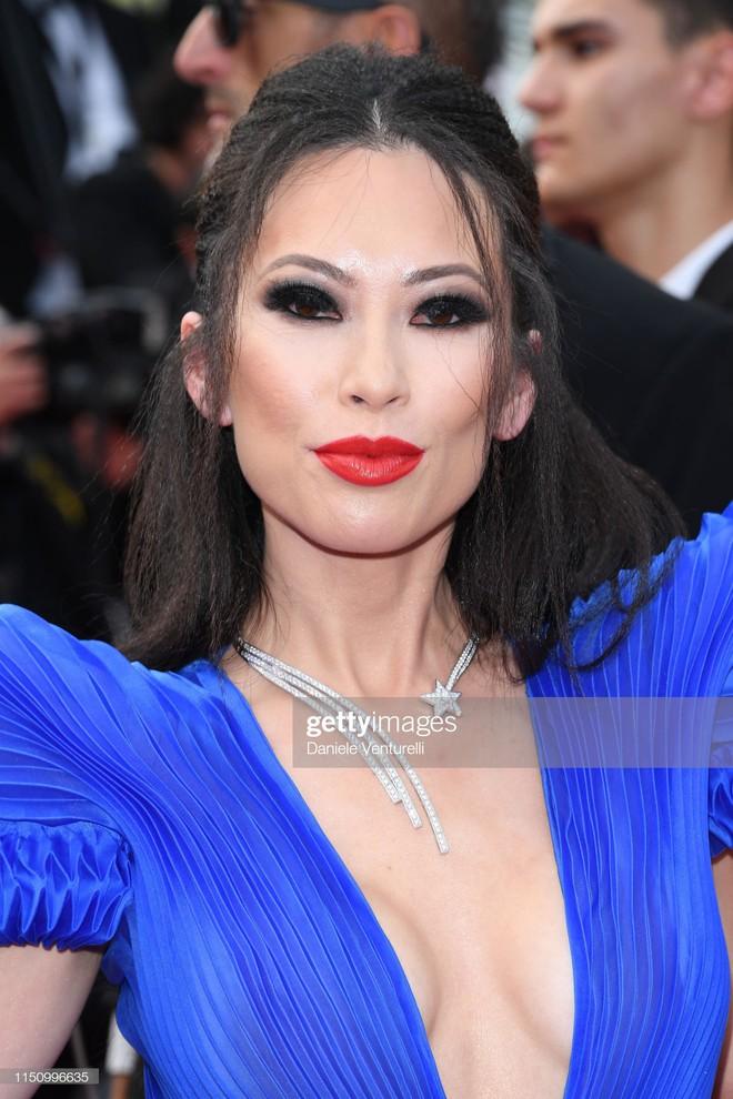 Cannes ngày 7: Mỹ nhân Ý khoe vòng 1 nhức mắt, dàn người mẫu Hollywood tung chiêu hết cỡ tại thảm đỏ - Ảnh 14.