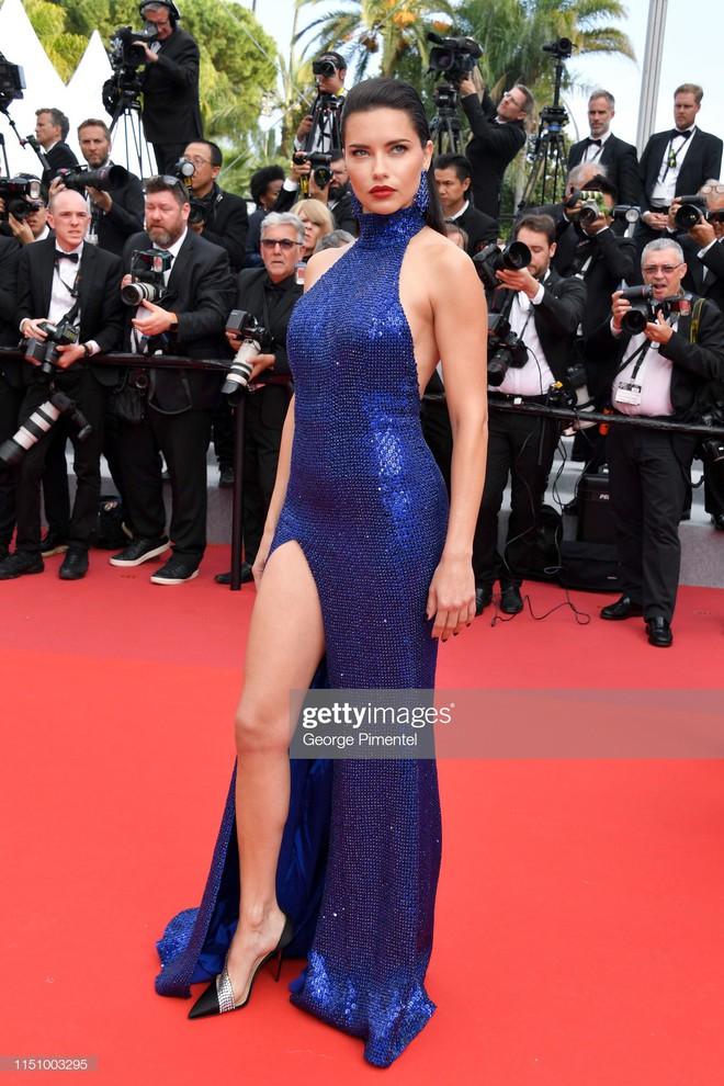 Cannes ngày 7: Mỹ nhân Ý khoe vòng 1 nhức mắt, dàn người mẫu Hollywood tung chiêu hết cỡ tại thảm đỏ - Ảnh 5.