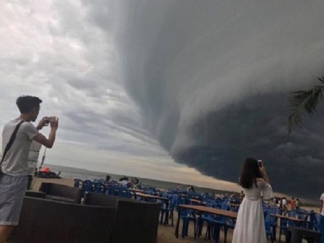 Sự thật đằng sau đám mây khổng lồ với hình thù kỳ lạ ở Huế đang khiến cộng đồng mạng sửng sốt - Ảnh 8.