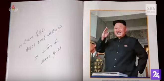 Ông Kim Jong Un bị bắt gặp hành động ưu ái chưa từng có với 2 quan chức Triều Tiên - Ảnh 5.
