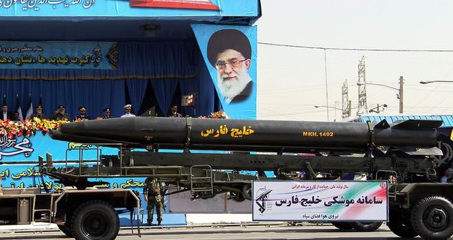 Kho tên lửa đạn đạo khủng nhất Trung Đông của Iran sẽ nhấn chìm QĐ Mỹ trong biển lửa? - Ảnh 3.