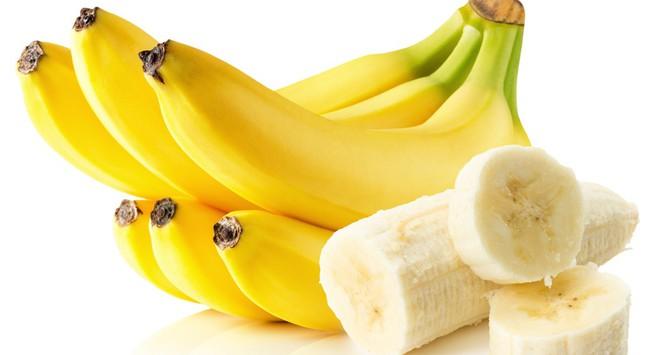 Điều kỳ diệu gì xảy ra với cơ thể nếu ăn 2 quả chuối mỗi ngày? - Ảnh 1.