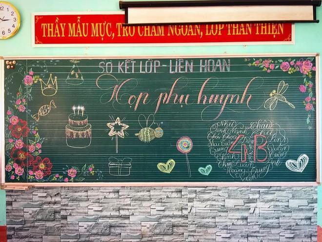 Giáo viên dành giờ nghỉ trưa thiết kế bảng tổng kết viết tay cực đẹp - Ảnh 1.