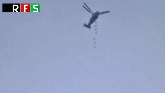 Chỉ có ở Syria: Trực thăng săn ngầm Ka-28 ném bom tấn công mặt đất - Ảnh 11.