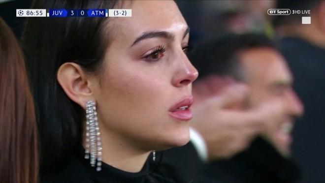 Cô gái vàng trong làng lọ lem đời thực: Mẫu 9x chiếm trọn trái tim, khối tài sản nửa tỷ đô của tay sát gái Ronaldo - Ảnh 9.