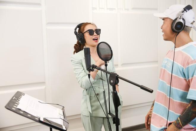 Mỹ Tâm tung ca khúc kết hợp với rapper Binz  - Ảnh 3.