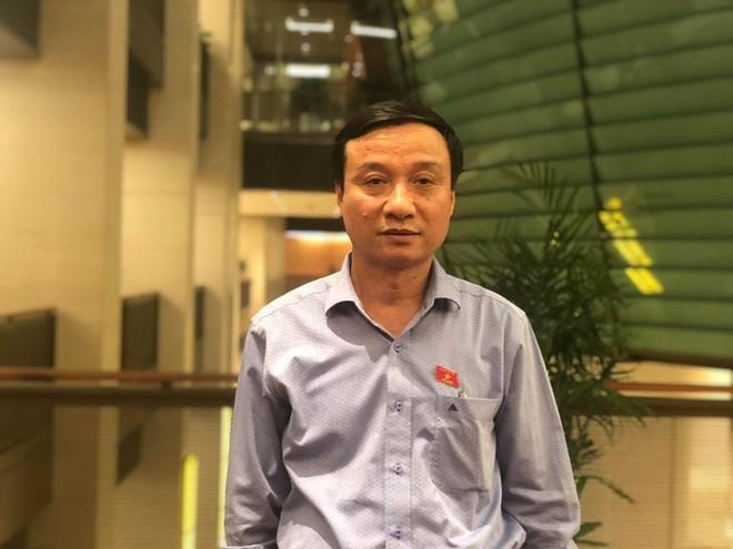 Giám đốc CA tỉnh Nghệ An: Tụt quần, phanh áo trẻ em ra để nhìn có phải hành vi dâm ô không? - Ảnh 2.