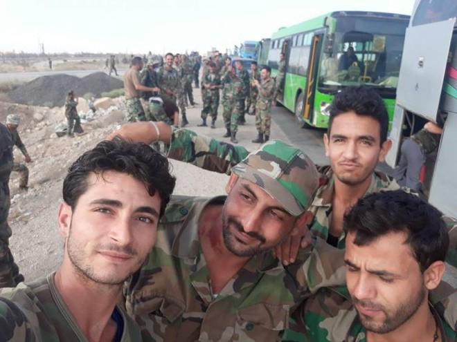 QĐ Syria đánh mạnh và dồn dập - Thổ Nhĩ Kỳ lo sợ, tung hàng nóng phòng thân - Ảnh 2.