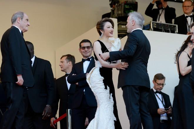 Lý Nhã Kỳ: Tự bỏ tiền túi đi Cannes là ngốc nghếch, nhiều nghệ sĩ đang làm quá vai trò mình trên thảm đỏ lừa truyền thông - Ảnh 4.