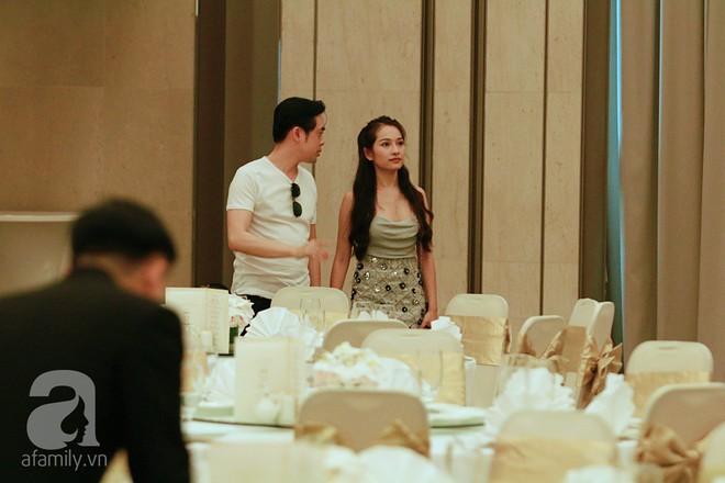 Hot: Dương Khắc Linh cùng vợ sắp cưới khoác vai, công khai ôm hôn tình tứ trước ngày lên xe hoa - Ảnh 8.