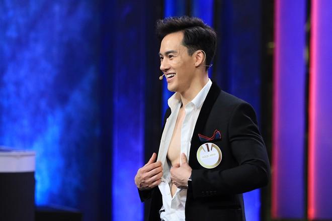 Phạm Quỳnh Anh lần đầu tán trai lạ và nói câu nhạy cảm trên truyền hình sau khi li hôn - Ảnh 3.