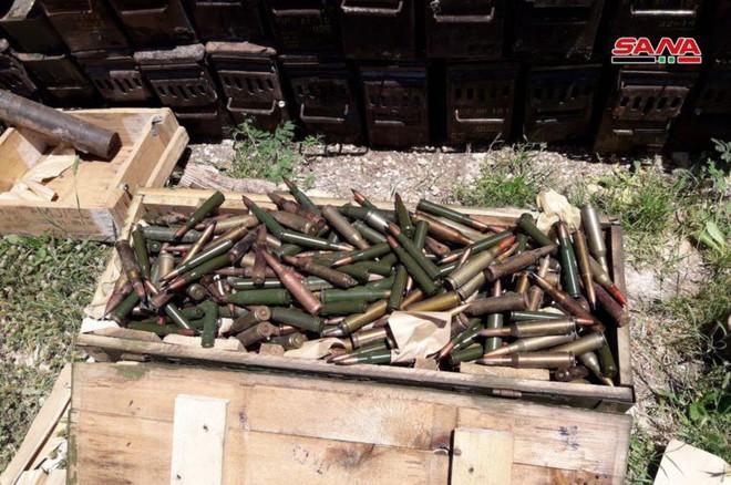 Quân đội Syria tóm sống kho vũ khí khổng lồ của phiến quân: Toàn hàng khủng! - Ảnh 5.