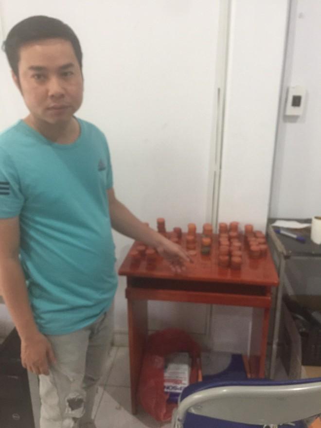 Phá đường dây làm giả bằng đại học ở Sài Gòn, thu được 3.000 phôi bằng các loại - Ảnh 1.