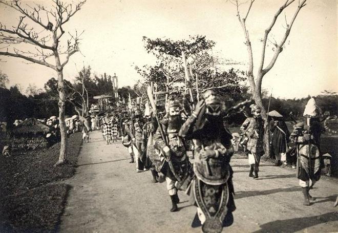 Việt Nam phong tục: Ngày đó, nếu nhà có đám ma thì phải tuân thủ đến 20 khâu này - Ảnh 3.