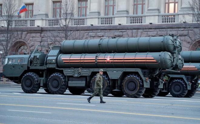 """Thổ Nhĩ Kỳ mua vũ khí Nga, """"đầu độc"""" quan hệ với Mỹ: Tuyệt chiêu được cả chì lẫn chài"""
