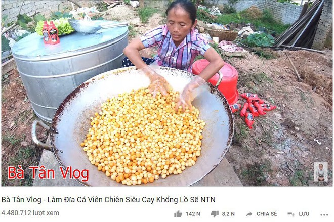 Con trai Bà Tân Vê Lốc muốn mẹ làm youtube để không phải xách vữa, giải đáp thắc mắc về thu nhập khủng - Ảnh 1.
