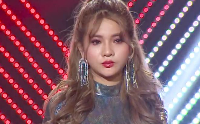 Đinh Bảo Yến gây bức xúc tại The Voice: Nữ ca sĩ đáng thương hay đáng trách?