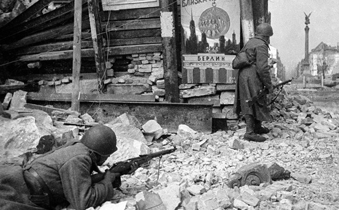 Được lính Đức tha chết, 3 năm sau, thiếu niên Xô Viết đã làm 1 việc không tưởng ở Berlin