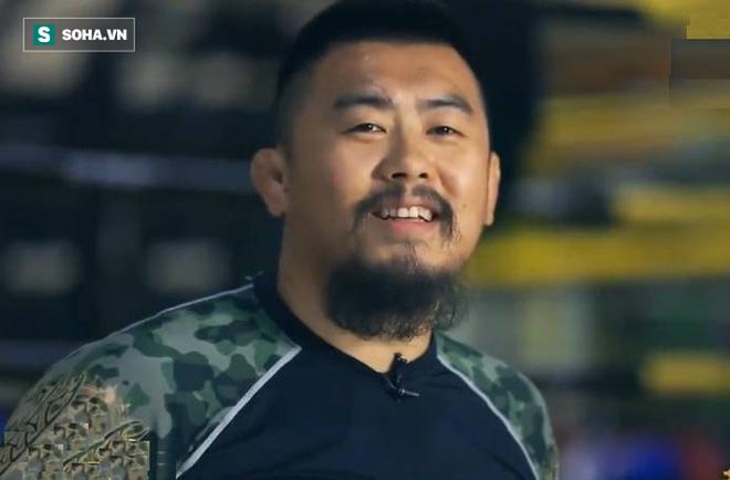 """Đại võ sư Việt Nam """"bóc mẽ"""" màn thách đấu của võ sĩ MMA người Mỹ gốc Việt với Flores - Ảnh 4."""
