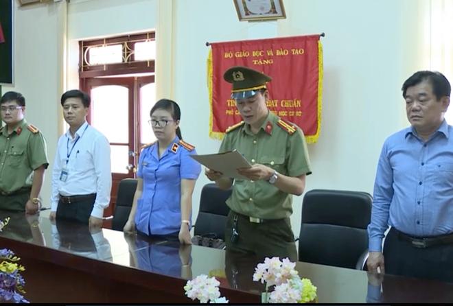 Bị triệu tập liên quan đến gian lận điểm thi, Giám đốc Sở GD&ĐT Sơn La thừa nhận sai rồi lại thay đổi lời khai - Ảnh 1.