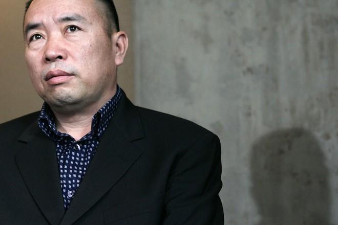 40 quan chức tề tựu: Hồ sơ vụ án của vợ Mao Trạch Đông tính bằng thùng, có chuyên án như phim hành động - Ảnh 2.