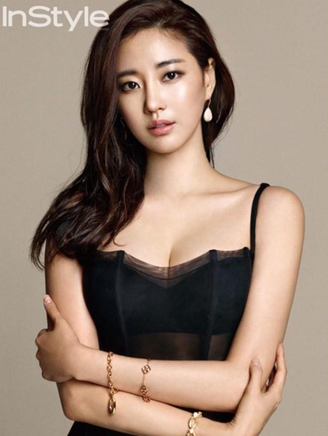 Hoa hậu ngực khủng Kim Sarang: Từ mỹ nhân nổi tiếng với cảnh tắm trần táo bạo tới xì xào bán dâm khiến sự nghiệp lao đao - Ảnh 7.