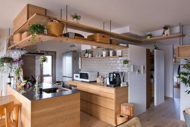 Căn hộ 85m² đẹp dịu dàng và ấm áp với màu gỗ của gia đình trẻ ở Nhật Bản - Ảnh 8.