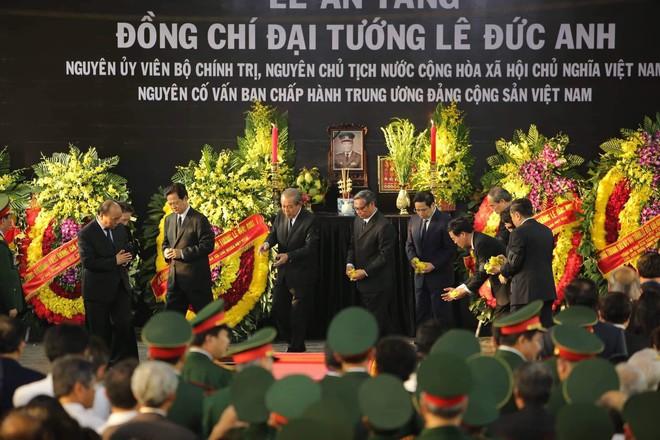 Lễ an táng cố Chủ tịch nước Lê Đức Anh ở TP Hồ Chí Minh - Ảnh 2.