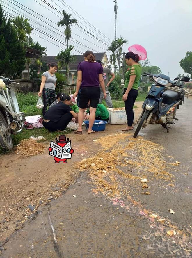 Cô bán trứng gặp nạn trên đường và cử chỉ đẹp của những người xung quanh  - Ảnh 3.