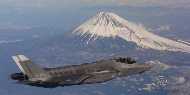 Thuyết âm mưu: F-35 Nhật Bản đã lao xuống đáy biển rất sâu để Nga không thể tiếp cận? - Ảnh 2.