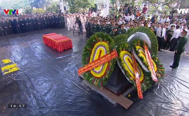 Lễ an táng cố Chủ tịch nước Lê Đức Anh ở TP Hồ Chí Minh - Ảnh 9.