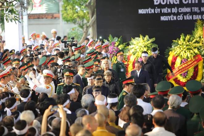 Lễ an táng cố Chủ tịch nước Lê Đức Anh ở TP Hồ Chí Minh - Ảnh 15.