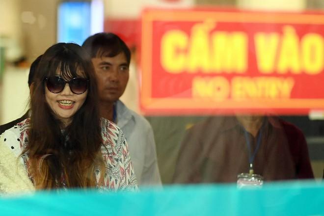 Đoàn Thị Hương trở về Việt Nam sau 2 năm bị bắt ở Malaysia - Ảnh 1.