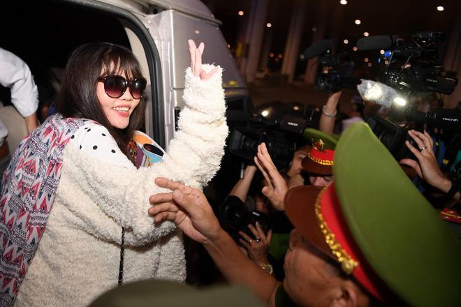 Đoàn Thị Hương trở về Việt Nam sau 2 năm bị bắt ở Malaysia - Ảnh 8.