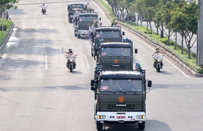 Lễ an táng cố Chủ tịch nước Lê Đức Anh ở TP Hồ Chí Minh - Ảnh 37.