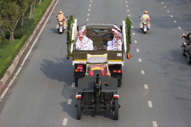 Lễ an táng cố Chủ tịch nước Lê Đức Anh ở TP Hồ Chí Minh - Ảnh 39.