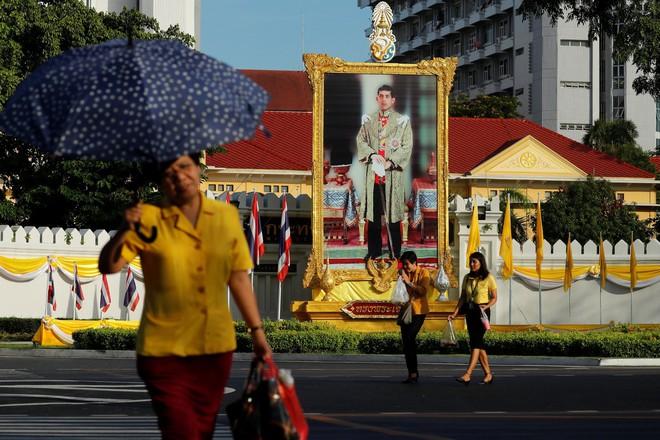 Rama X: Vị vua cứng rắn sẽ thay đổi lịch sử Thái Lan? - Ảnh 4.