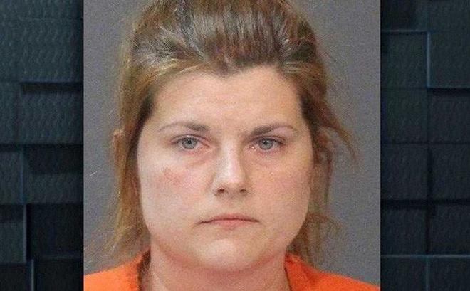 Cô giáo Mỹ 34 tuổi bị bắt với cáo buộc hiếp dâm học sinh nam 10 tuổi