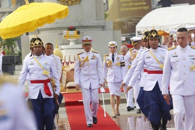Ảnh: Vẻ đẹp của nữ tướng vừa được sắc phong làm Hoàng hậu Thái Lan - Ảnh 11.