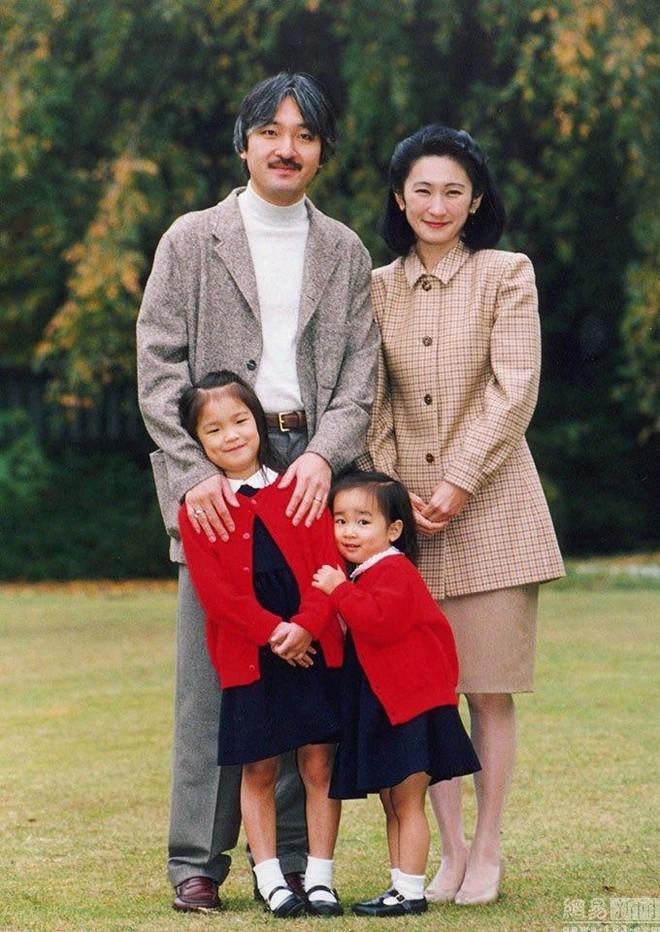 Thân vương Fumihito - vị Tân thái tử chuẩn mực và cuộc hôn nhân gây tranh cãi nhưng rốt cuộc lại hóa giải khủng hoảng người kế vị của Hoàng gia Nhật - Ảnh 13.
